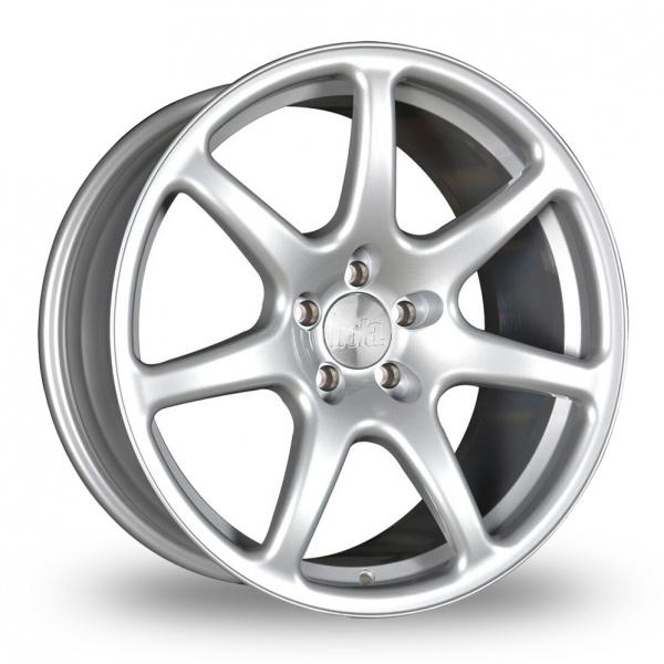 18 Inch Wider Rear Nissan Skyline R32 Alloy Wheels